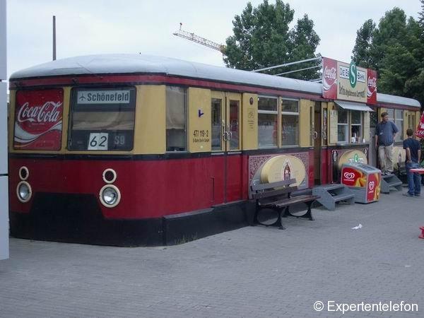 Eine Essbahn im Sondereinsatz am Flughafen Berlin-Schönefeld
