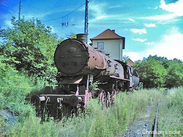 Alte Reichsbahnloks auf dem Gelände des ehemaligen Güter- und Umschlagbahnhofs Frankfurt (Oder). Sie warten noch heute auf die