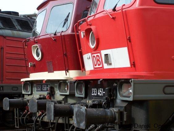 232 158 und 233 451, beim Tag des Fahrgastes in Cottbus.