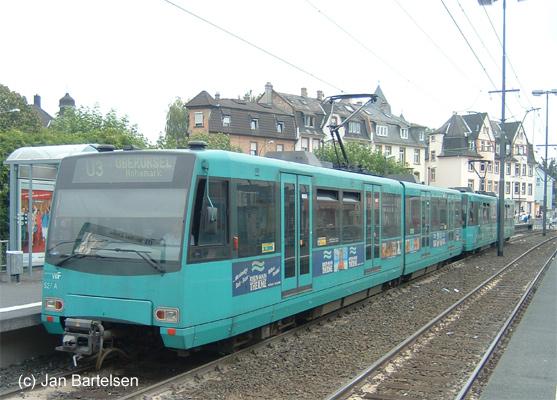 Das Foto zeigt den Wagen 527 der VGF (Typ