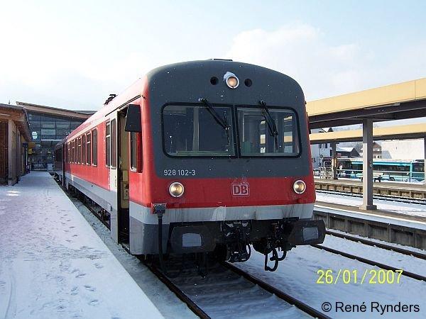 628 102 wartet am 26.01.2007 in Oberstdorf auf Fahrgäste