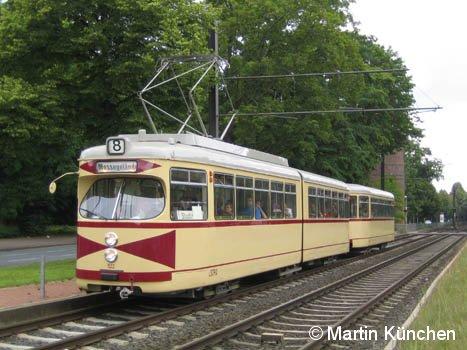 Hannover: Sonderfahrt mit TW 522 und BW 1513. Wie vor 25 Jahren Linie 8 zum Messegelände beschildert an der ehemahligen Haltestelle Döhrener Turm