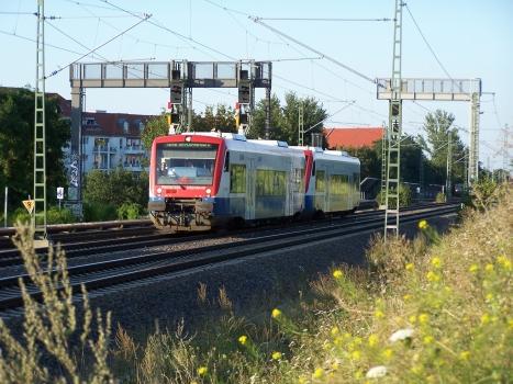 VT 650.02 + VT 650.07 der Prignitzer Eisenbahn sind am 05. August 2007 als PEG80175 nach Berlin-Lichtenberg bei Berlin-Pankow unterwegs.