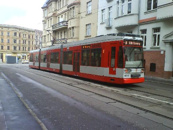 Halle -- Wegen Bauarbeiten im Steinweg fährt die Linie 8 nach Böllberg.