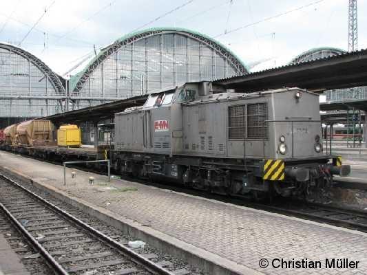 Diesellok V 203 02 auf dem Gleis 23 am Hauptbahnhof Frankfurt/Main am Samstag den 17.5.2008 mit einem Schotterzug.