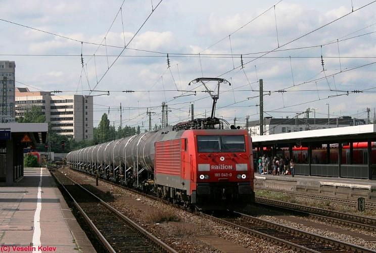 189 049 durchfährt am 21.08.2008 den Münchner Ostbahnhof.