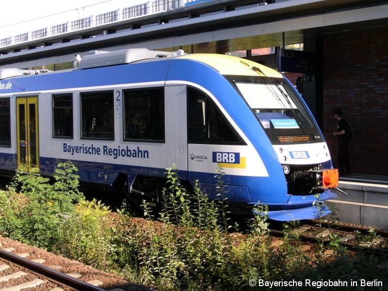 Die Bayerische Regiobahn hilft im Sommer 2009 in Berlin beim S-Bahn-Ersatzverkehr. Ein LINT-Triebwagen in Berlin-Gesundbrunnen.