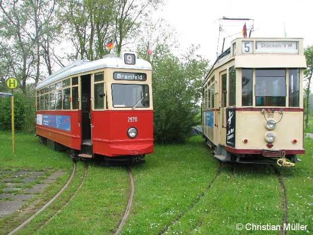 Zwei historische Straßenbahnen auf dem Museumsgelände nahe dem Schönberger Strand. Der linke im Bild ist am 22.5.2010 für Rundfahretn genutzt worden.