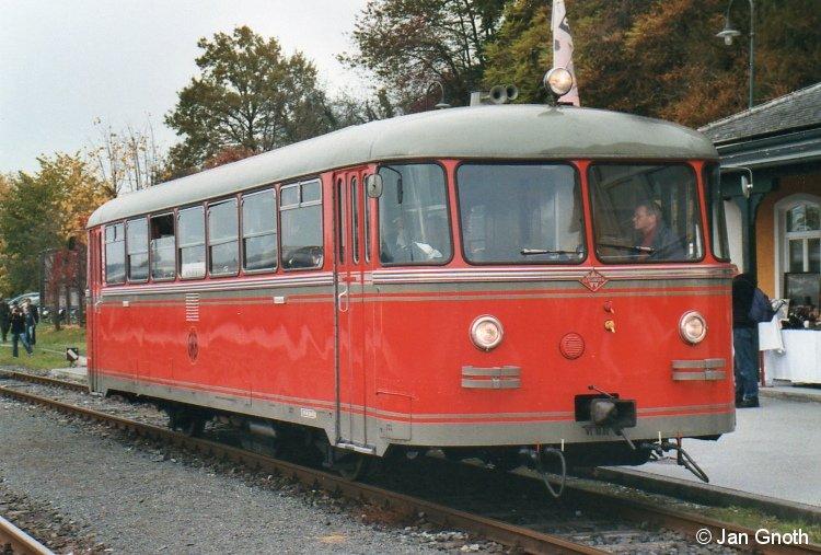 VT10 02 der Graz-Köflacher-Eisenbahn bei der 150-Jahr-Feier der GKE am 16.10.2010 in Lieboch.