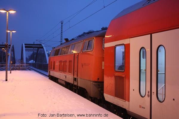 Vor dem Sonnenaufgang in Hamburg-Tonndorf...(12.01.2010)