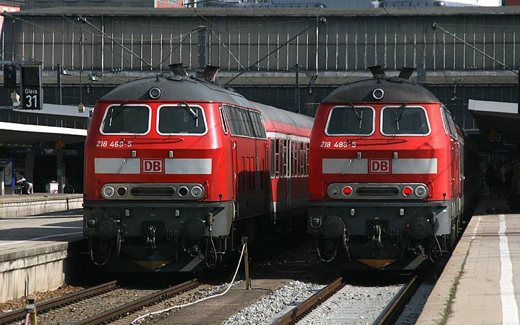 Alltäglicher Regionalverkehr im Starnberger Flügelbahnhof (Teil des Münchner Hauptbahnhofs) am 27.09.2011. Diese Züge verkehren von München aus ins Allgäu und zurück. Mindestens bis 2014 werden sie noch aus 218er und n-Wagen gebildet.
