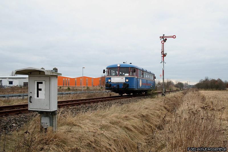 Wir schreiben den 12. Januar 2008: Die Prignitzer Eisenbahn verabschiedet ihren letzten blauen Schienenbus mit
