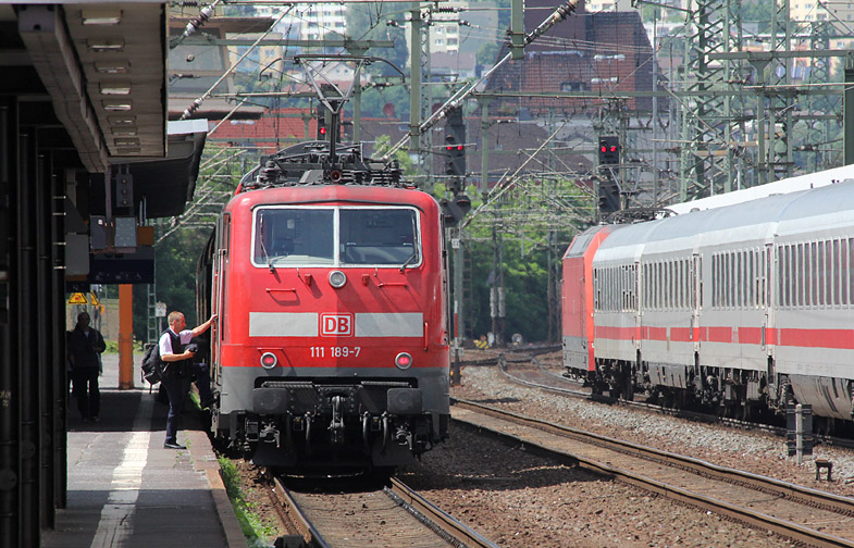 Regionalverkehr, Fernverkehr. Der ganz normale Bahnalltag in Fulda, aufgenommen am 8.06.2012.