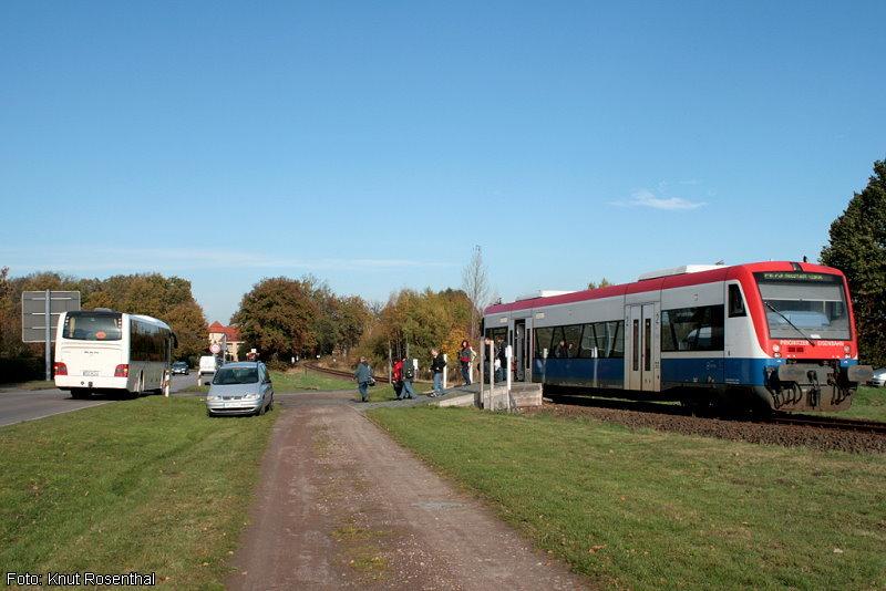 Pritzwalk Süd - ein Haltepunkt, der lediglich für Bauarbeiten im Bahnhof Pritzwalk geschaffen wurde. Fahrgäste konnten hier in den Bus umsteigen und wurden zum Pritzwalker