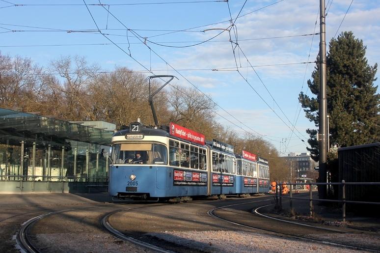 Anfang 2014 fahren in München jede Menge P-Wagen! Am 13.01.2014 wurden auf der Linie 21 drei von vier Kurse mit P-Wagen gefahren. Die Aufnahmen entstand am Westfriedhof