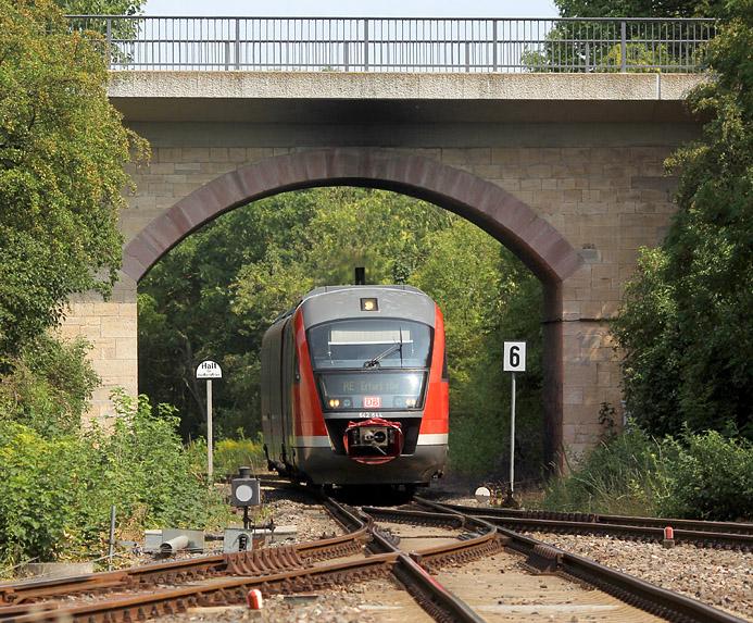Am 11.08.2015 erreicht ein Desiro den Bahnhof Sondershausen