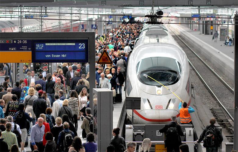 Großes Reisendeaufkommen am 19.06.2015 im Münchner Hauptbahnhof