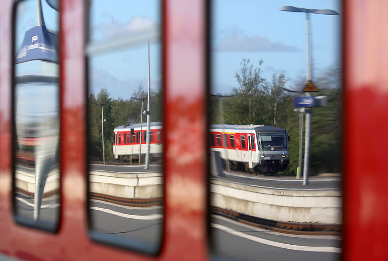 SyltShuttlePlus-628er im Bahnhof Niebüll am 15.05.2016.