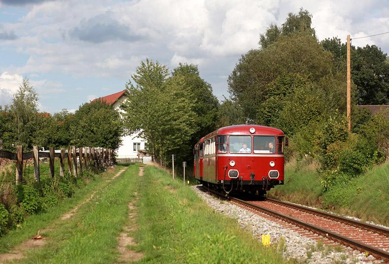 Als Wolnzach-Express waren am 20.08.2017 Schienenbusse auf der Strecke Rohrbach (Ilm) - Wolnzach unterwegs. Ansonsten wird die Bahn bzw. ihr Reststück nur noch im Güterverkehr bedient.